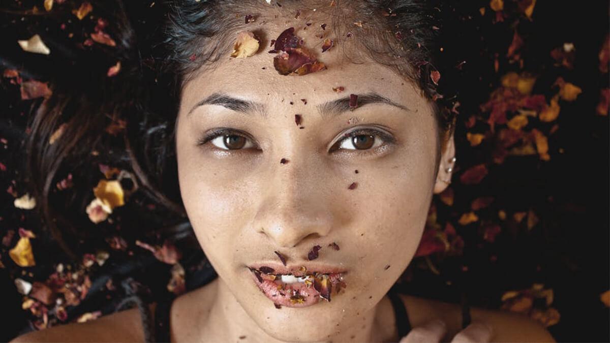 Rukhi twacha se bachaav ke 5 tareeke in hindi