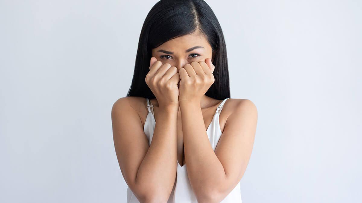 अचानक घबराहट होना  -  कारण, लक्षण और उपचार
