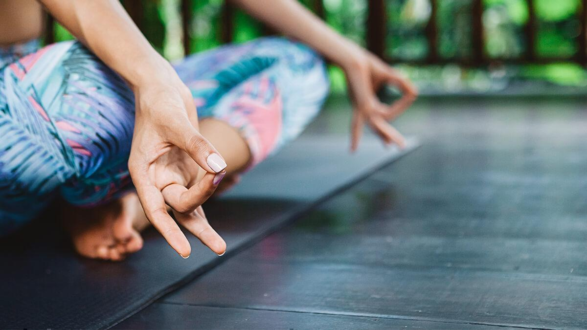 Thakan ya kamzori mitane ke liye yog in hindi
