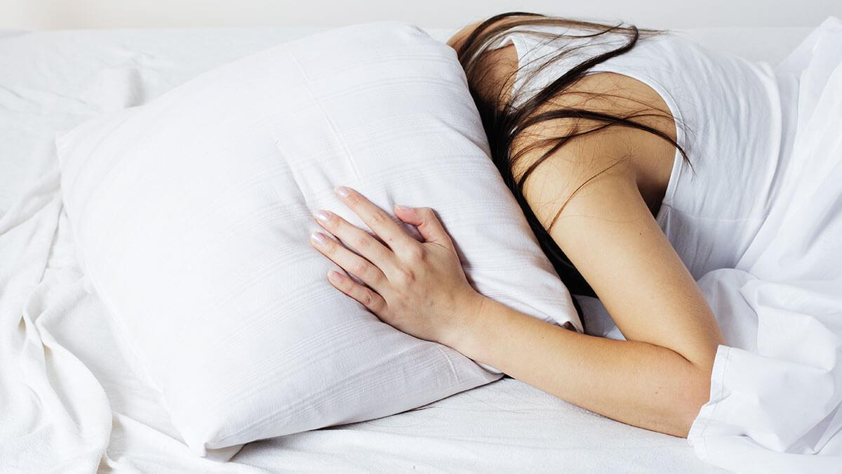 Sleep disorder se bache nahi to khatra ho sakta hai in hindi