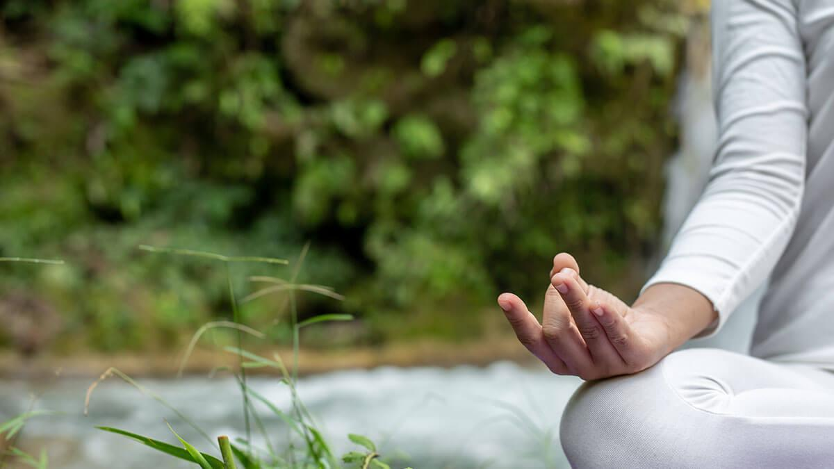 सीने में दर्द के लिए योग-7 सर्वश्रेष्ठ योगासन