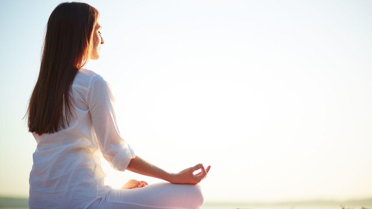 तनाव, चिंता और आलस्य दूर करने के लिए योग