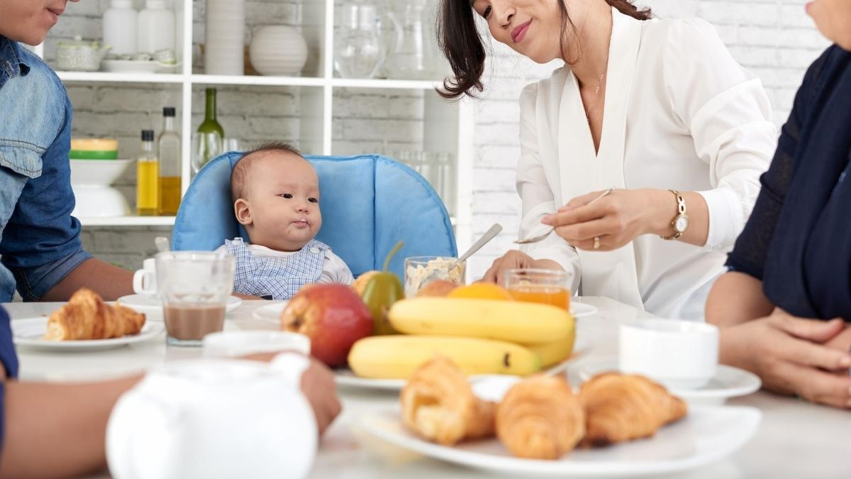 solid food for 6 month baby in hindi